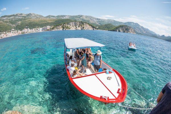 boatride-explore-relax