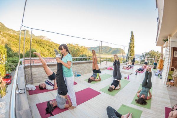 yoga-yogatraining-yogini