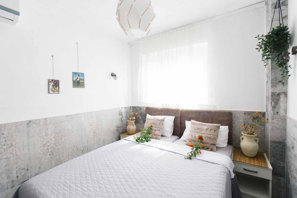 Room-2-window-Mahakala-center