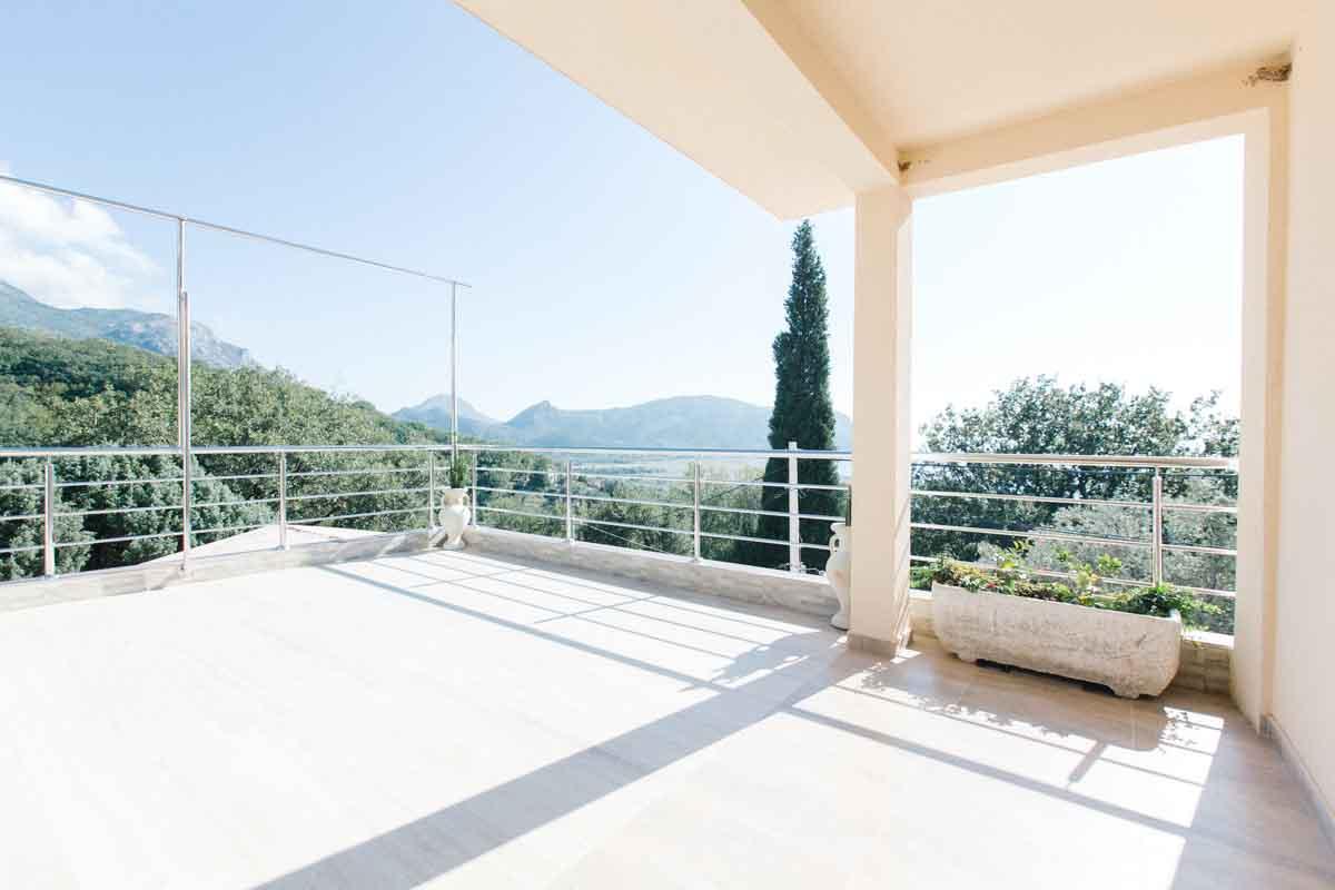 Room-3-terrace-mahakala-center