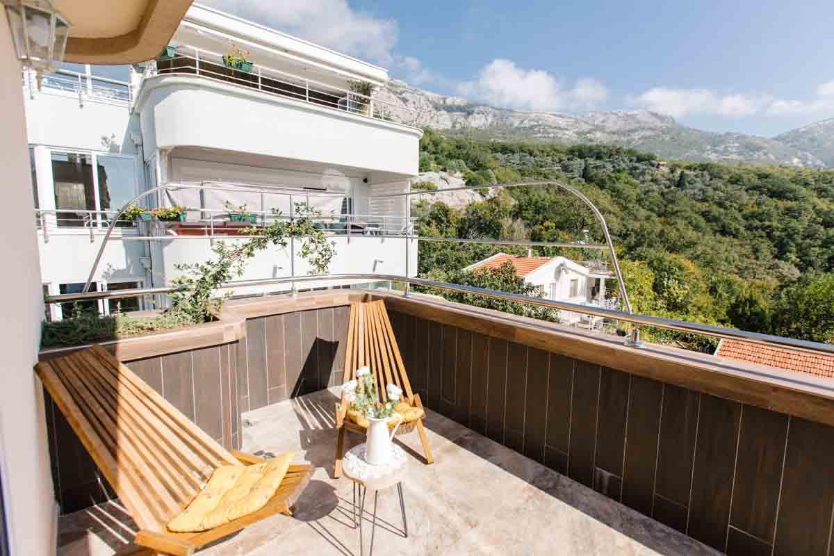 Room-balcony-6-mahakala-center